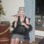 A wealthy lady at the Presidents' Suites historical evening / une grande dame à la soirée historique des Suites des Présidents