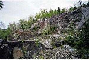 Foundations of aCobalt processing mill found along the Heritage Silver Trail self-guided tour. / Ancienne fondation d'une usine de transformation de mine de Cobalt que vous retrouverez en suivant la tournée guidée du Heritage Silver Trail.