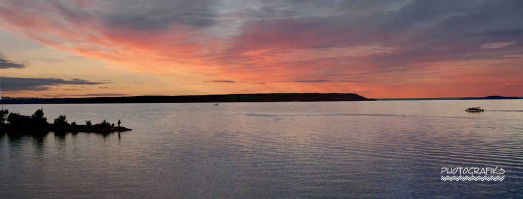 Destination Temiskaming Blog banner photo with beautiful lake Temiskaming. Thanks to Richard Steward from Photografiks in Haileybury for the great photo. / Photo du blogue Destina