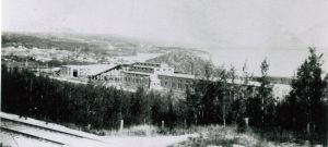 Moore's Cove split factory was once a pulpwood mill. Later it became a particleboard plant. The industrial facility was located between Haileybury and New Liskeard