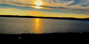 Sunset over Lake Temiskaming in Ville-Marie during our lake Temiskaming fall colours tour / couché de soleil sur le lac Témiskaming à Ville-Marie lors de notre tour des couleurs d'automne du lac Témiskaming